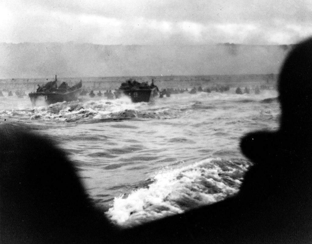 1024px-Omaha_Beach_First_Wave
